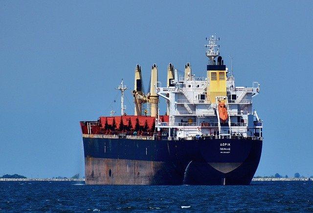 Cargo Ship Sea Travel Ship  - papazachariasa / Pixabay