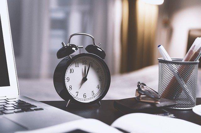 Time Alarm Clock Clock Watch Hours  - JESHOOTS-com / Pixabay